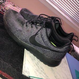 Nike Women Roshe shoe